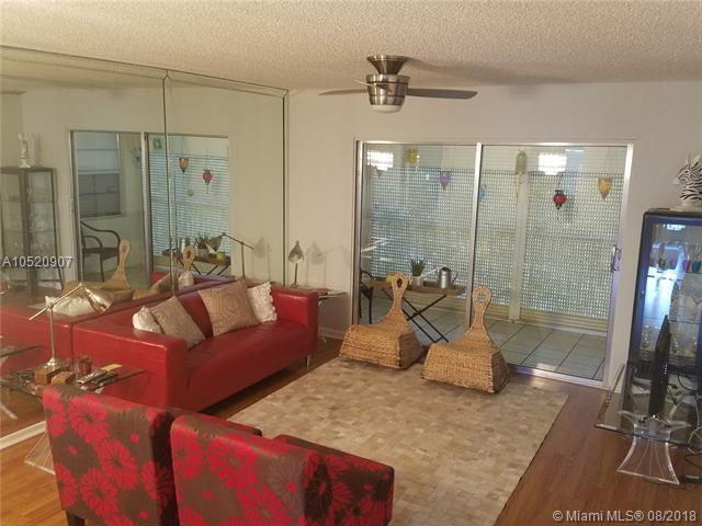 12601 SW 13 409 G, Pembroke Pines, FL 33027 (MLS #A10520907) :: United Realty Group