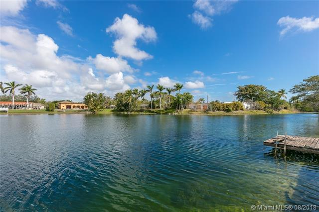 8441 SW 106th St, Miami, FL 33156 (MLS #A10520934) :: The Riley Smith Group