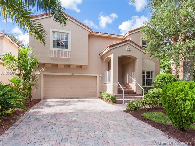 7578 NW 17th Dr, Pembroke Pines, FL 33024 (MLS #A10520982) :: Green Realty Properties