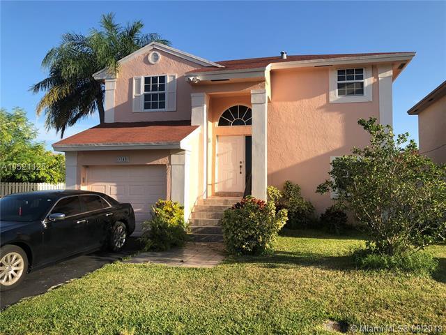 3745 NW 107 Way, Sunrise, FL 33351 (MLS #A10521125) :: Green Realty Properties