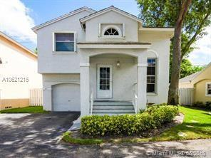 9917 NW 2nd St, Plantation, FL 33324 (MLS #A10521215) :: The Teri Arbogast Team at Keller Williams Partners SW