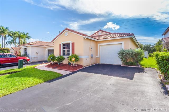 751 NW 172nd Ter, Pembroke Pines, FL 33029 (MLS #A10521259) :: The Teri Arbogast Team at Keller Williams Partners SW
