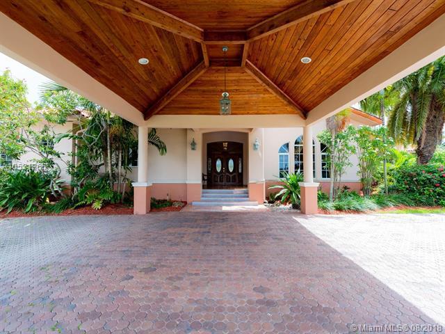 9700 SW 66th St, Miami, FL 33173 (MLS #A10521265) :: Green Realty Properties