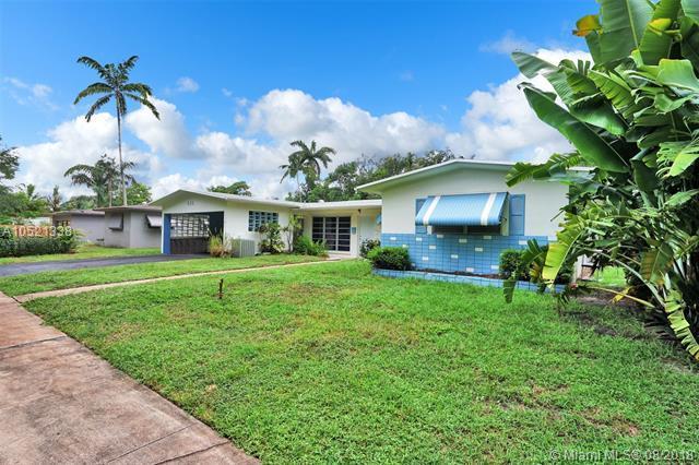 835 NE 151st St, Miami, FL 33162 (MLS #A10521338) :: Green Realty Properties