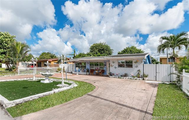 6501 Roosevelt St, Hollywood, FL 33024 (MLS #A10521358) :: RE/MAX Presidential Real Estate Group