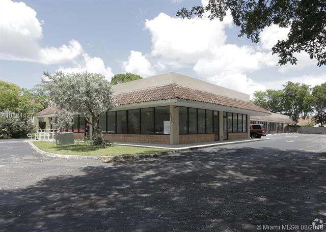 8461 W Oakland Park Blvd, Sunrise, FL 33351 (MLS #A10521427) :: Green Realty Properties