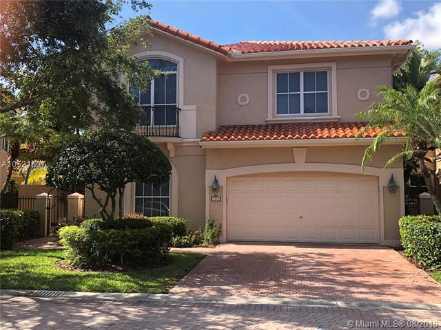 1577 Mariner Way, Hollywood, FL 33019 (MLS #A10521687) :: Castelli Real Estate Services