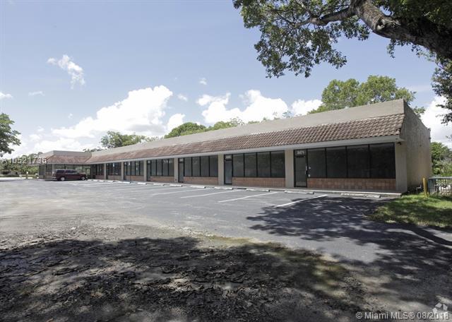 8467 W Oakland Park Blvd, Sunrise, FL 33351 (MLS #A10521736) :: Green Realty Properties