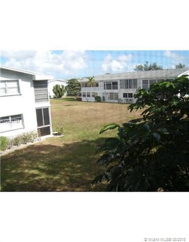 117 E Farnham  E #117, Deerfield Beach, FL 33442 (MLS #A10521791) :: Stanley Rosen Group