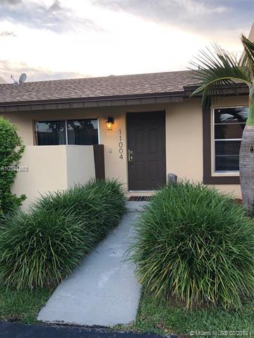 11004 SW 123rd Ave, Miami, FL 33186 (MLS #A10521863) :: The Teri Arbogast Team at Keller Williams Partners SW