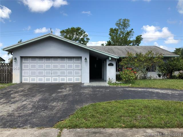 2771 NW 108th Ter, Sunrise, FL 33322 (MLS #A10521968) :: Green Realty Properties