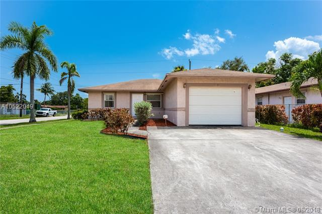 2800 NW 7th St, Fort Lauderdale, FL 33311 (MLS #A10522049) :: Laurie Finkelstein Reader Team