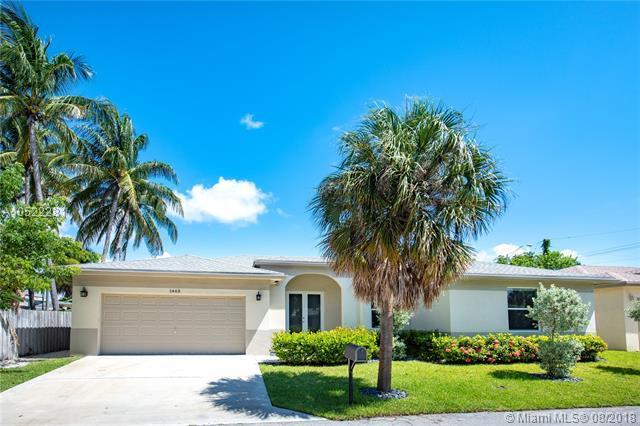 1465 NE 24th St, Wilton Manors, FL 33305 (MLS #A10522281) :: Laurie Finkelstein Reader Team