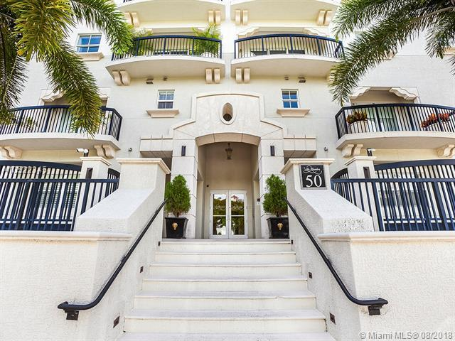 50 Alhambra Cir #101, Coral Gables, FL 33134 (MLS #A10522345) :: Miami Lifestyle