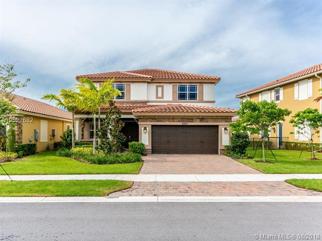 9881 S Miralago Way, Parkland, FL 33076 (MLS #A10522682) :: Castelli Real Estate Services