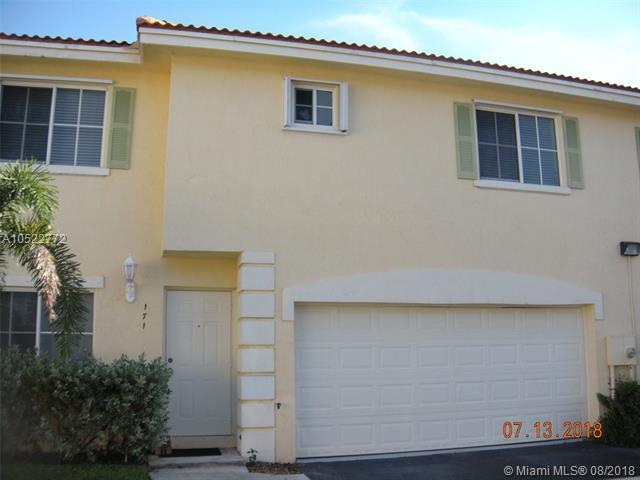 171 SE 2nd Ct, Deerfield Beach, FL 33441 (MLS #A10522772) :: Green Realty Properties