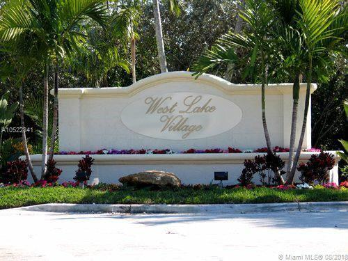 1465 Yellowheart Way #1465, Hollywood, FL 33019 (MLS #A10522841) :: Laurie Finkelstein Reader Team