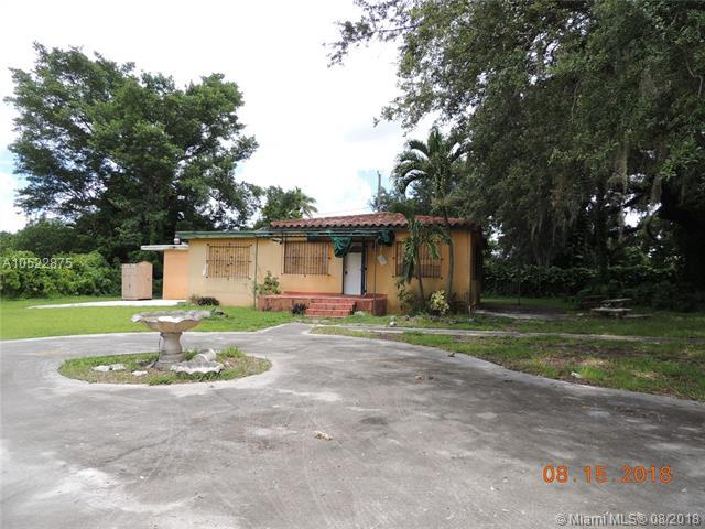 1895 NW 112th Ter, Miami, FL 33167 (MLS #A10522875) :: Laurie Finkelstein Reader Team