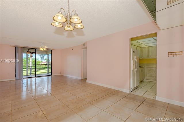1200 Saint Charles Pl #202, Pembroke Pines, FL 33026 (MLS #A10523019) :: Green Realty Properties