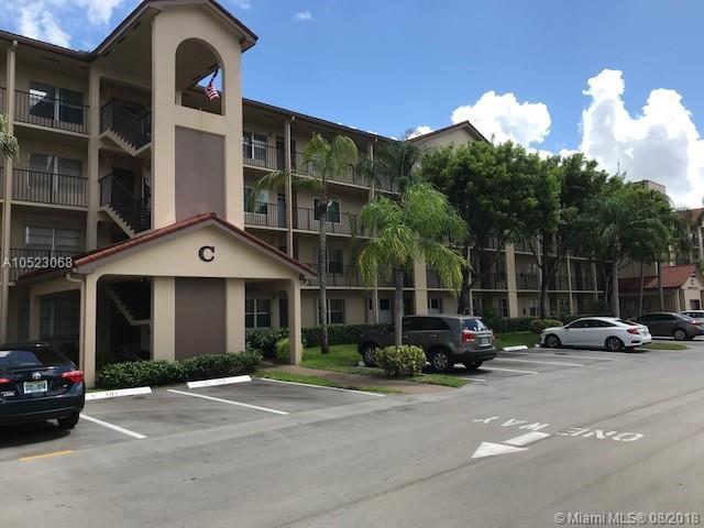 13100 SW 11th Ct 302C, Pembroke Pines, FL 33027 (MLS #A10523068) :: Laurie Finkelstein Reader Team