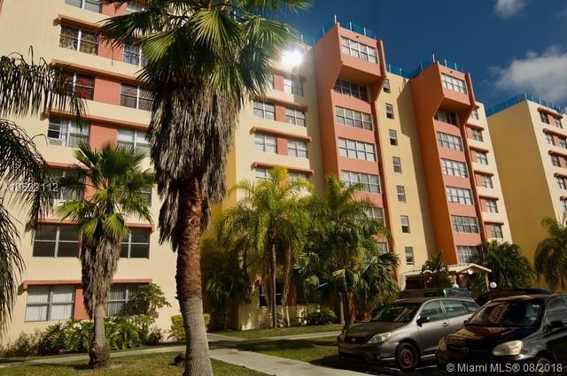 9143 SW 77th Ave B608, Miami, FL 33156 (MLS #A10523112) :: Laurie Finkelstein Reader Team