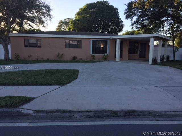 1073 S Cypress, Pompano Beach, FL 33060 (MLS #A10523144) :: The Riley Smith Group