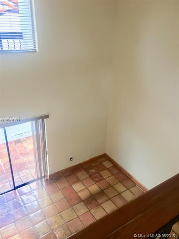 1251 SW 124th Ct 23-D, Miami, FL 33184 (MLS #A10523158) :: Green Realty Properties