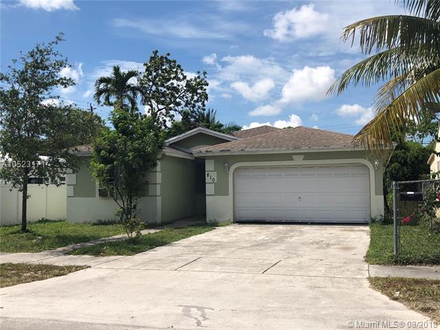 810 NW 115th St, Miami, FL 33168 (MLS #A10523171) :: Laurie Finkelstein Reader Team