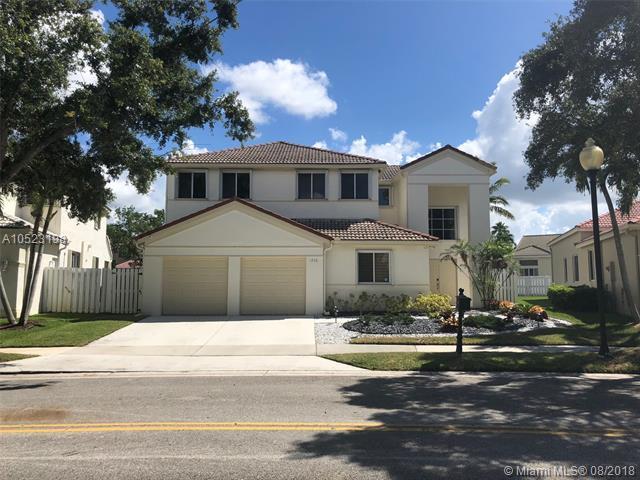 1236 Camellia Ln, Weston, FL 33326 (MLS #A10523198) :: Laurie Finkelstein Reader Team