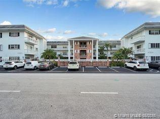 2500 NE 9th St #111, Fort Lauderdale, FL 33304 (MLS #A10523222) :: Laurie Finkelstein Reader Team