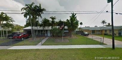 9951 SW 195th St, Cutler Bay, FL 33157 (MLS #A10523248) :: Laurie Finkelstein Reader Team