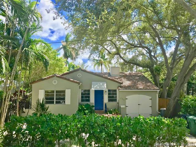 236 NE 85 St, El Portal, FL 33138 (MLS #A10523336) :: Green Realty Properties