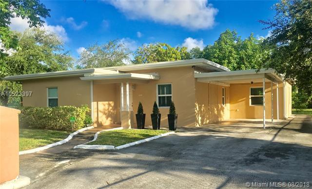 660 NE 142nd St, North Miami, FL 33161 (MLS #A10523397) :: Laurie Finkelstein Reader Team