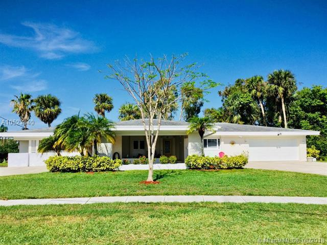 3056 SE Overbrook Dr, Port St. Lucie, FL 34952 (MLS #A10523440) :: Green Realty Properties