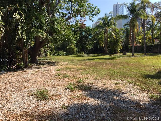 2323 S Miami Ave, Miami, FL 33129 (MLS #A10523514) :: Laurie Finkelstein Reader Team