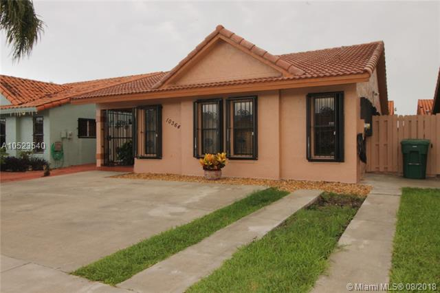10364 NW 127th Ter, Hialeah Gardens, FL 33018 (MLS #A10523540) :: Green Realty Properties