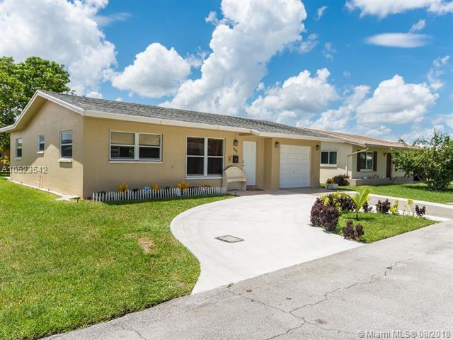 6001 NW 66th Ter, Tamarac, FL 33321 (MLS #A10523542) :: Laurie Finkelstein Reader Team