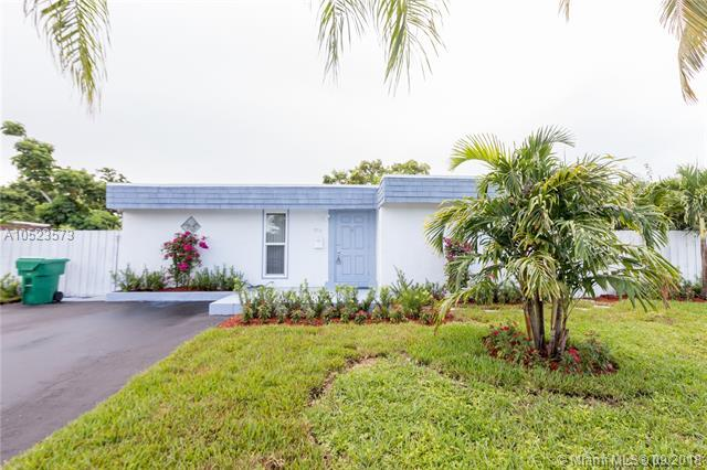 7810 NW 68th Ave, Tamarac, FL 33321 (MLS #A10523573) :: Stanley Rosen Group