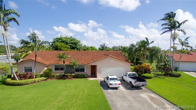 11101 SW 172nd Ter, Miami, FL 33157 (MLS #A10523585) :: RE/MAX Presidential Real Estate Group