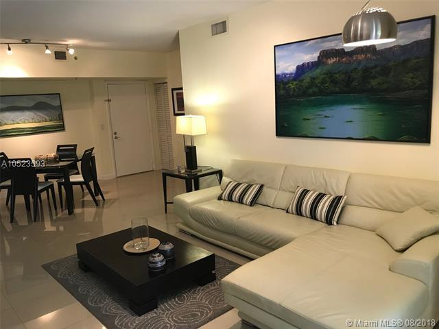 19555 E Country Club Dr 8-105, Aventura, FL 33180 (MLS #A10523593) :: Green Realty Properties