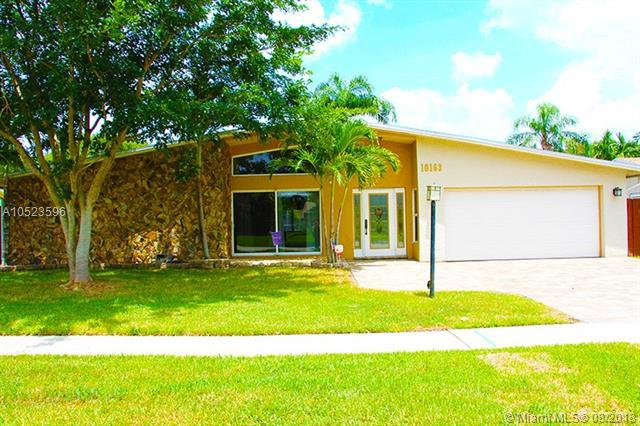 10163 SW 51st St, Cooper City, FL 33328 (MLS #A10523596) :: RE/MAX Presidential Real Estate Group