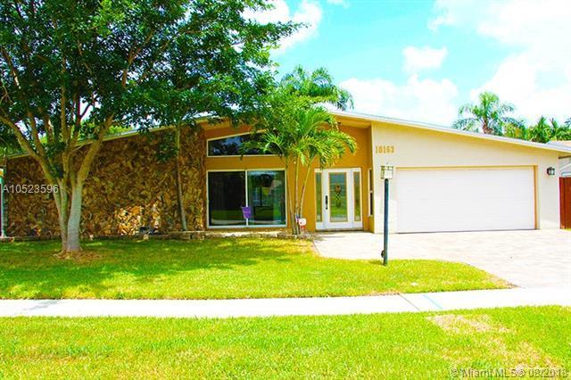 10163 SW 51st St, Cooper City, FL 33328 (MLS #A10523596) :: Green Realty Properties