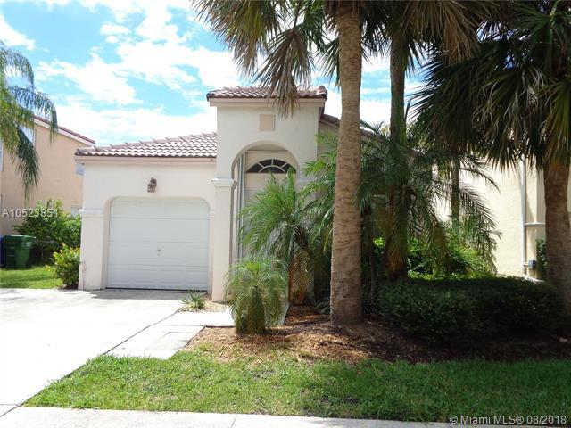 604 NW 159th Ave, Pembroke Pines, FL 33028 (MLS #A10523851) :: RE/MAX Presidential Real Estate Group