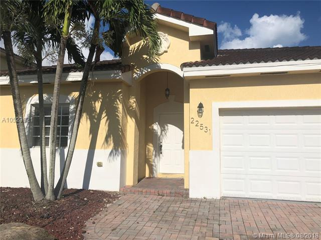 22531 SW 103, Miami, FL 33190 (MLS #A10523921) :: RE/MAX Presidential Real Estate Group
