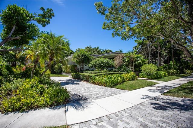 70 Bay Heights Drive, Miami, FL 33133 (MLS #A10524199) :: The Riley Smith Group