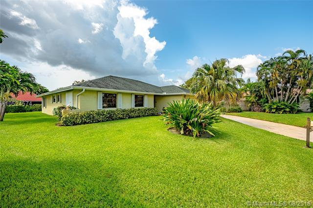 4240 NW 10th St, Delray Beach, FL 33445 (MLS #A10524574) :: Green Realty Properties