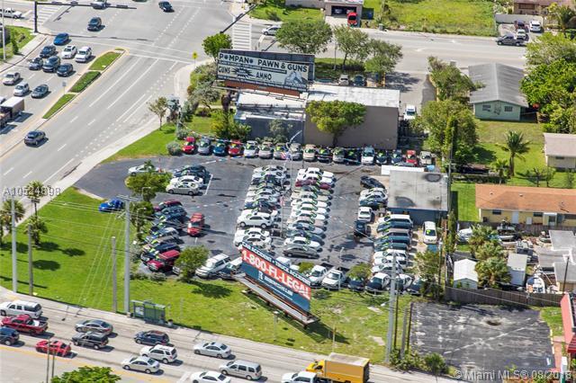 345 Copans Rd, Pompano Beach, FL 33064 (MLS #A10524898) :: Berkshire Hathaway HomeServices EWM Realty