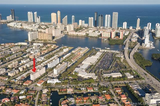 3545 NE 166th St #1004, North Miami Beach, FL 33160 (MLS #A10525383) :: Green Realty Properties