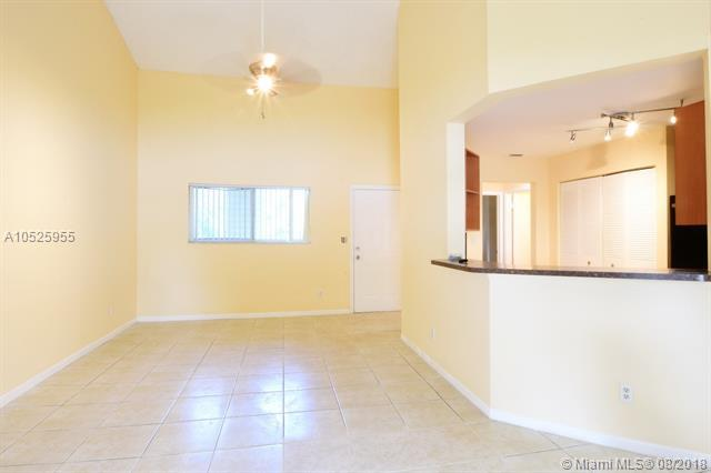3457 NW 44th St #203, Oakland Park, FL 33309 (MLS #A10525955) :: Stanley Rosen Group