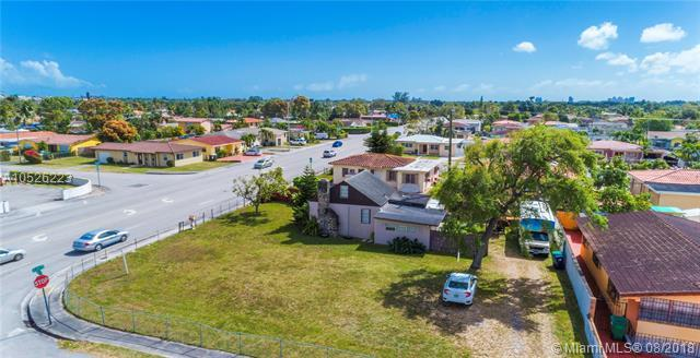 2582 SW 67th Ave, Miami, FL 33155 (MLS #A10526223) :: Green Realty Properties